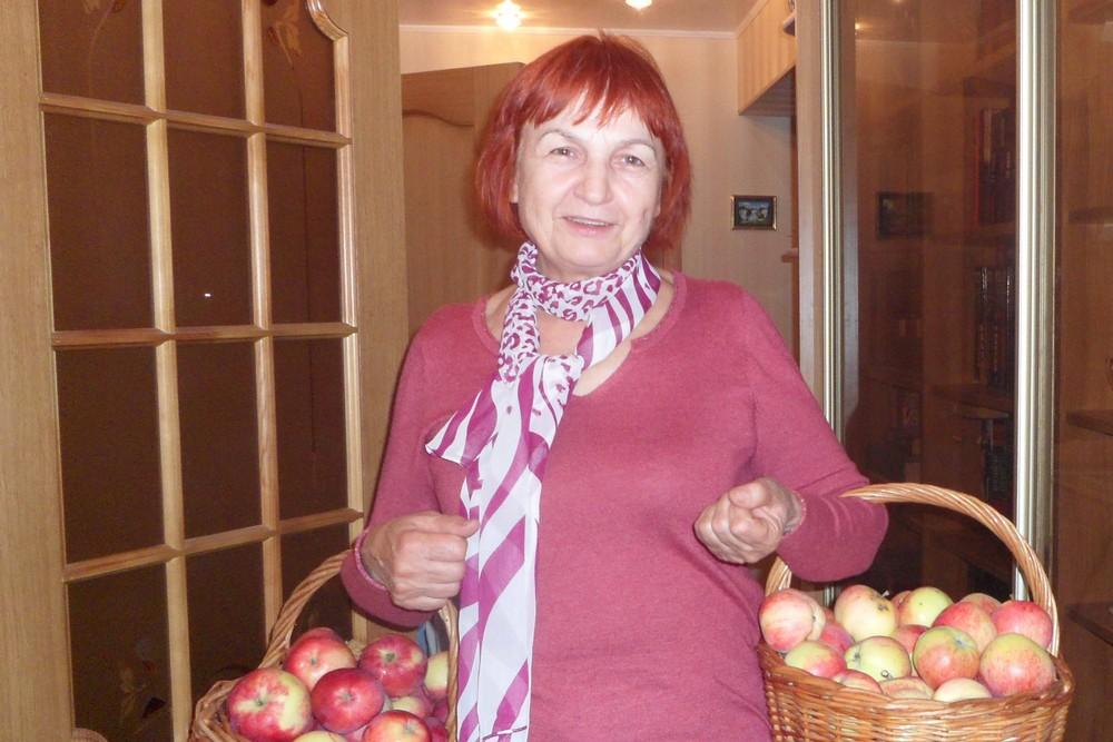 ямщикова с яблоками