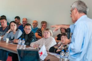 Леонид Гозман выступает на круглом столе в Костроме 29 07 2019
