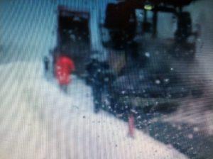 Костромские дорожники уложили новый асфальт в снег