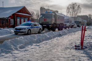 Автомобили полиции и Росгвардии в Костроме