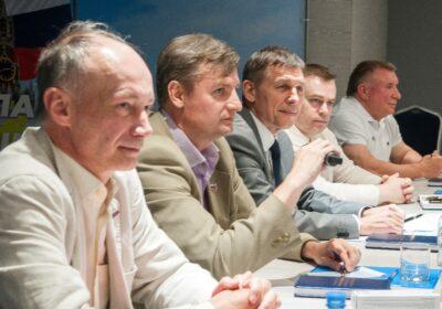 Члены клуба кандидатов в президенты на круглом столе в Костроме
