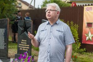 Николай Сорокин на открытии памятника жителям Пантусово в Костроме